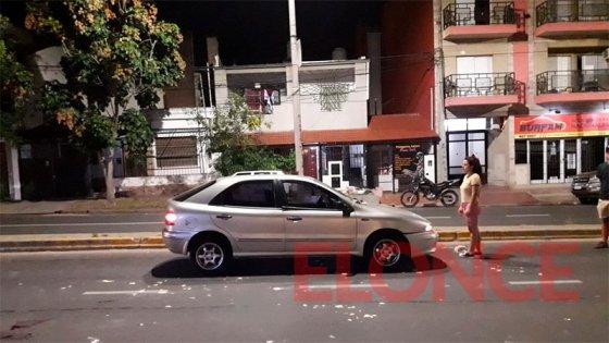 Un hombre de 81 años fue embestido por un auto sobre transitada avenida