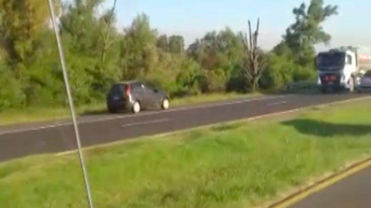 Video: Automovilista conducía en contramano y a alta velocidad en Ruta 12