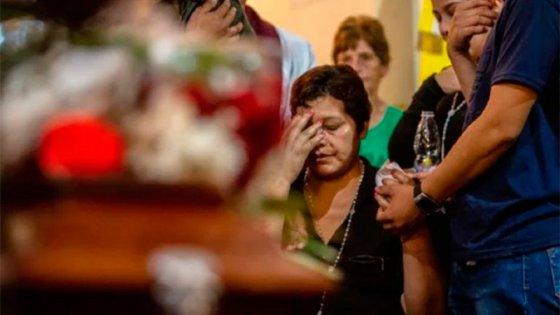 Dolorosa despedida de la mujer atacada en Puerto Deseado a su hijo asesinado