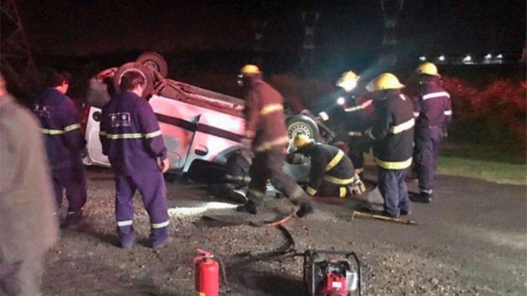 Despiste y vuelco de un vehículo: el conductor resultó con graves heridas