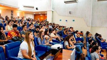 Programa de apoyo escolar: más de 120 interesados en convocatoria del Becario