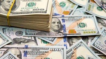 El dólar turista saltó casi 40 centavos y rozó los $97