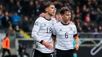 Acción solidaria en la pandemia: Futbolistas alemanes donaron un millón de euros