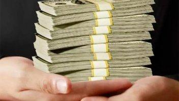 El dólar cierra con su mayor suba semanal desde las elecciones de octubre