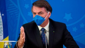 Bolsonaro tiene síntomas de coronavirus y se hizo un nuevo test