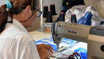 Cooperativas entrerrianas elaboran más de 35.000 barbijos