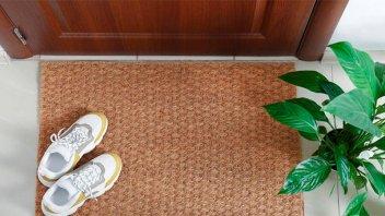Cuarentena por coronavirus: ¿Hay que sacarse los zapatos al volver de la calle?