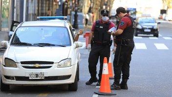 Cuarentena: Analizan restringir horarios y autorizaciones para salir de casa