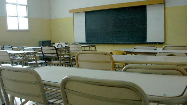 Analizan extender calendario escolar para quienes estén por culminar secundario