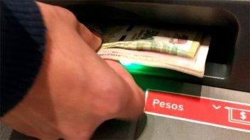 Se retoma el pago del aguinaldo en la administración pública provincial