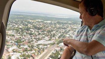 Bordet sobrevoló Paraná y valoró que la ciudad está