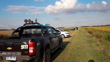 Detuvieron a dos policías en actividad cuando intercambiaban cocaína