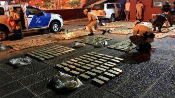 Secuestraron 280 kilos de marihuana abandonados en la costa del río Paraná