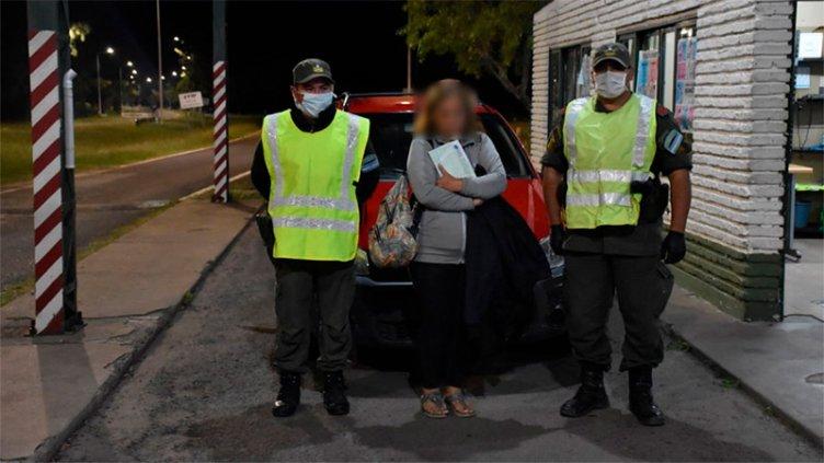 Cuarentena: Dijo que iba a asistir a un familiar y pretendió huir del control