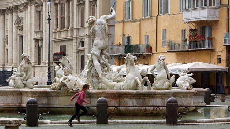 Italia y España anunciaron una disminución en la cantidad de contagiados