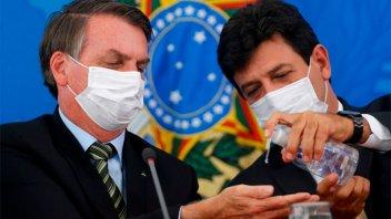 Bolsonaro decidió remover del cargo al ministro de Salud de Brasil