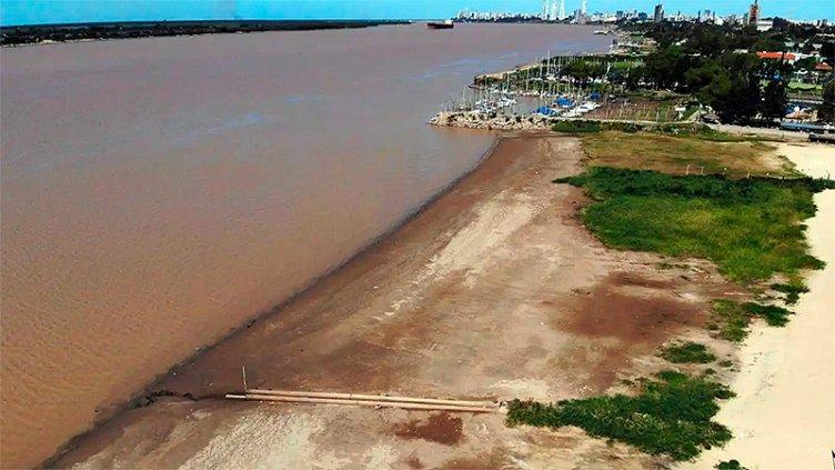Histórica bajante del Paraná: Los barcos ya no pueden navegar con carga completa