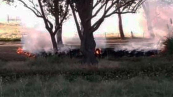 Apareció un cuerpo incendiado en el ingreso a Cerrito