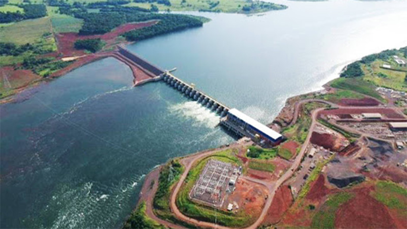 Brasil abrió las compuertas y liberó agua hacia el río Iguazú