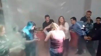 Renunció funcionaria que festejó el cumpleaños de sus hijos durante cuarentena