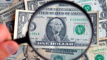 Dólar CCL y MEP treparon hasta $5