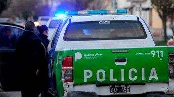 Policías realizaron una fiesta y le dispararon a los vecinos que los denunciaron