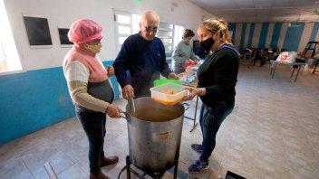Municipio aportó alimentos para la elaboración de locro en más de 70 comedores