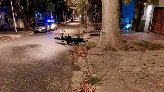 Motociclista sufrió graves heridas tras chocar una columna en Paraná