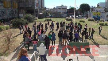 Administrativos del hospital San Martín reclamaron mejores condiciones laborales