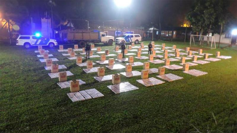Prefectura secuestró 28.500 atados de cigarrillos y detuvo a dos personas