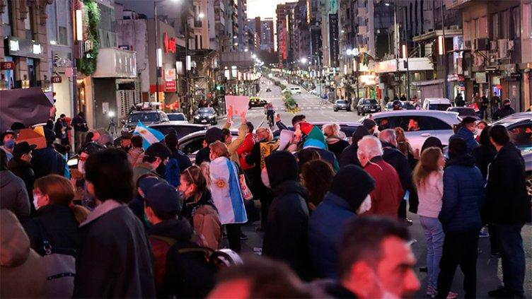 Hubo protestas en el Obelisco y otros puntos del país contra la cuarentena