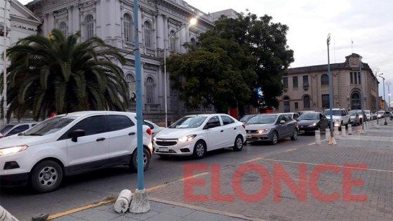 Médicos se movilizaron en caravana por las calles de Paraná: Lo que reclaman