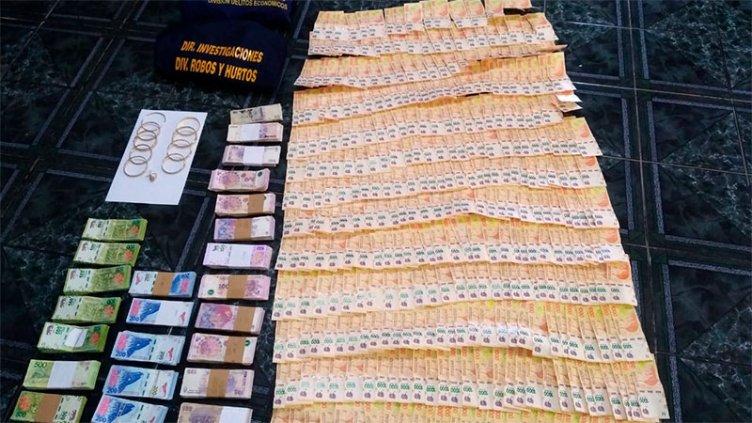 Allanamientos en Paraná: Secuestraron más de un millón de pesos, dólares y auto