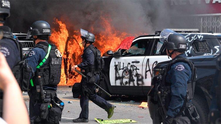 EE.UU: Más de 25 ciudades declaran toque de queda tras otra jornada de disturbio