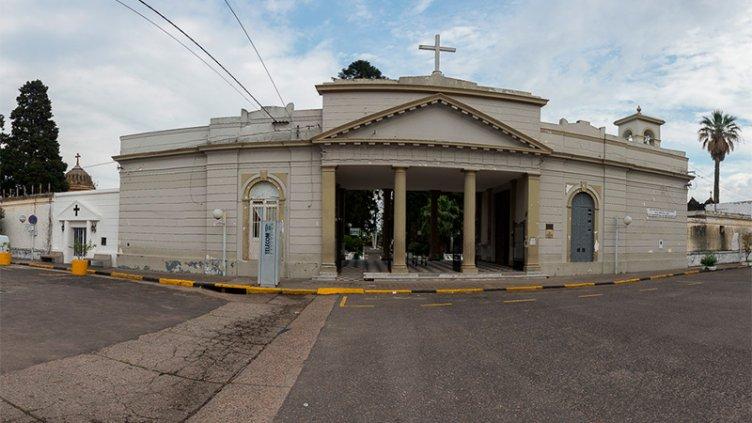 La Municipalidad de Paraná habilitó el servicio de los cementerios