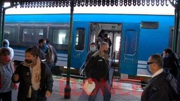 Reactivación del tren Paraná - Colonia Avellaneda: La opinión de los usuarios