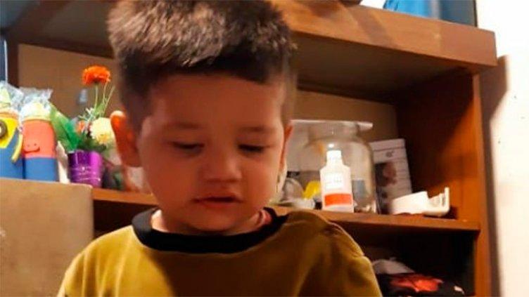 Niño de dos años que se quemó con grasa