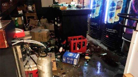 Noche de furia: No encontró al marido en el bar y provocó daños por $1 millón