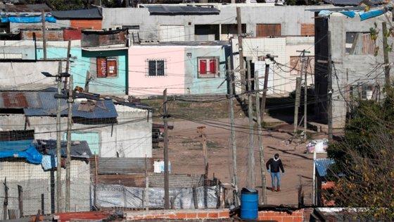 Confirmaron dos muertes por Covid-19 en la villa aislada de Buenos Aires