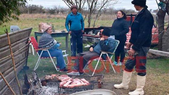 Permiten las reuniones familiares en Paraná: Hasta cuántas personas y qué días