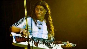 Pablo Lescano se despidió de su larga cabellera y parece otra persona