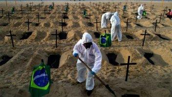 Brasil sobrepasa los 153.000 muertos y 5,2 millones de casos de covid19