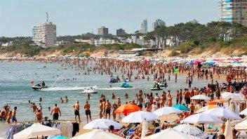 Uruguay mantendrá sus fronteras cerradas en la temporada turística