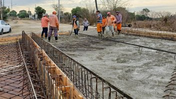Continúan las tareas viales en la zona del parque industrial de Paraná