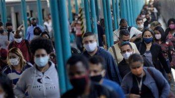 Brasil registró 1.010 nuevas muertes por covid-19