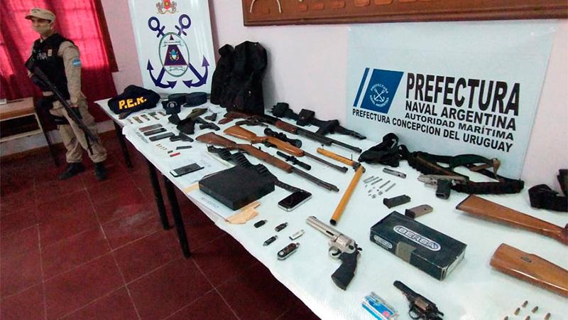Dos detenidos por la venta clandestina de armas