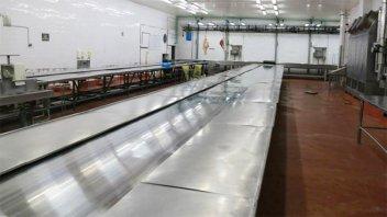 Por rebrote en China, frigorífico entrerriano detuvo su producción