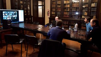 Emergencia solidaria: Bordet analizó el proyecto de ley con diputados