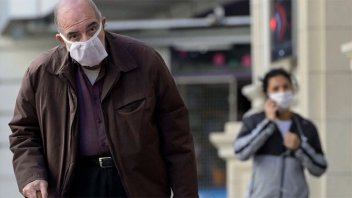Coronavirus en Argentina: Confirmaron 44 nuevas muertes y 2.667 contagios