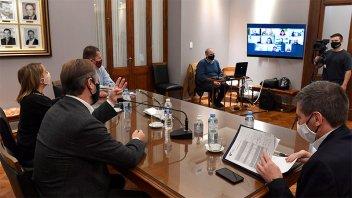Bordet analizó con senadores oficialistas la emergencia solidaria